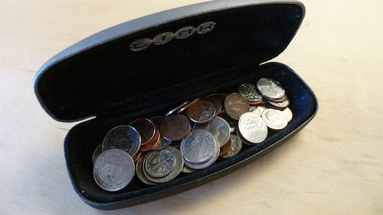 Glasses case storing change
