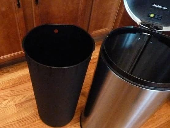 Open trash can with out bag