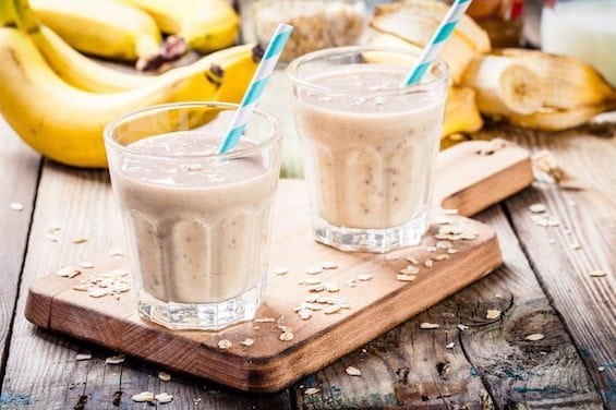 healthy breakfast: banana smoothie