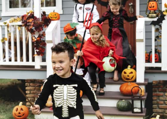 10 Awesome Ways to Do Halloween on a Budget this Year