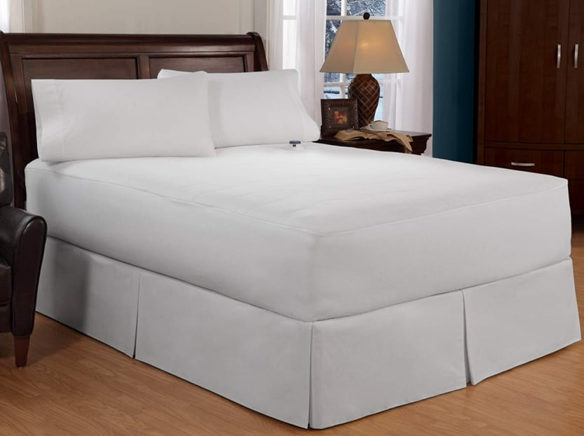 Serta heated mattress pad on a queen bed