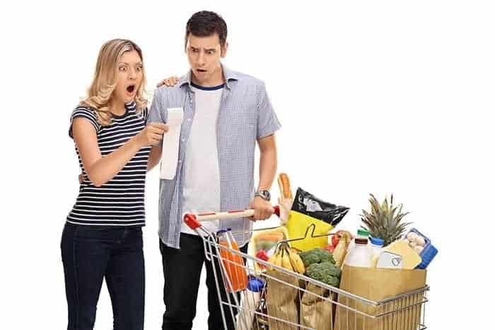 shock-grocery-food-prices-young-couple