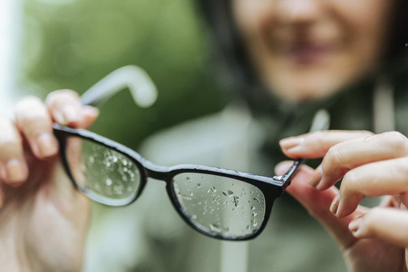 Worst And Best Ways To Clean Eyeglasses