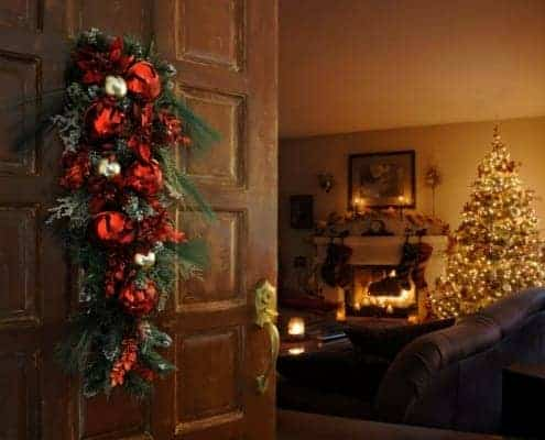 family-room-tips-to-decorate-for-Christmas