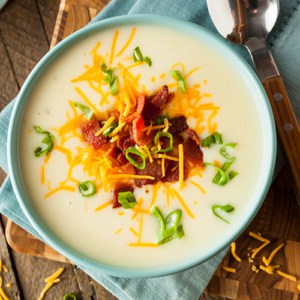 Creamy Loaded Baked Potato Soup with Bacon and Cheese