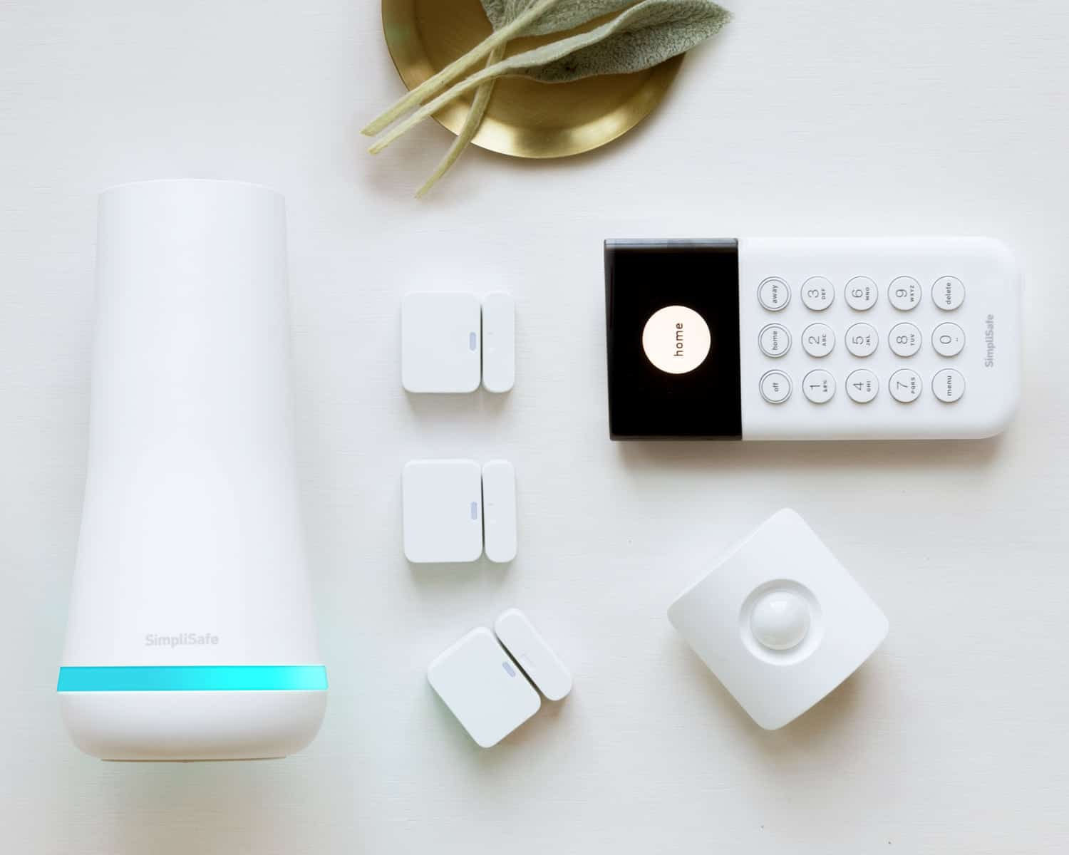 SimpliSafe Essentials home security package