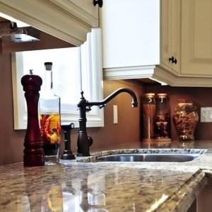 shiny granite counter top