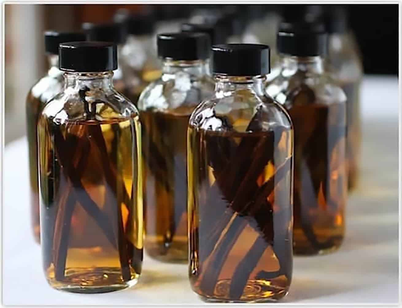 homemade vanilla extract amber bottles