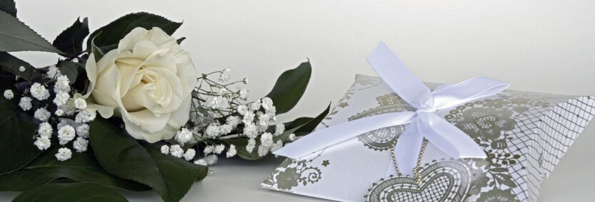 Wedding flowers and gift