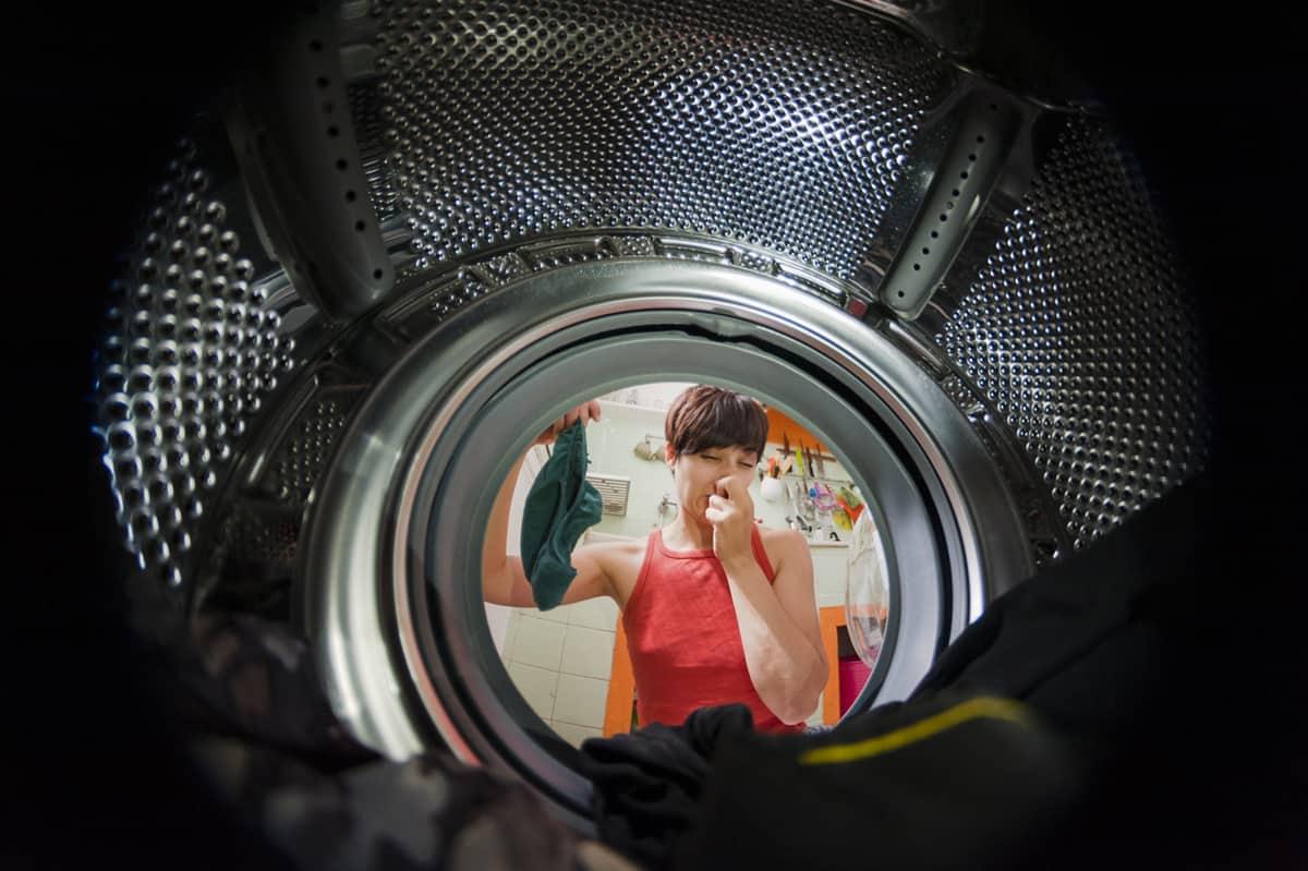Machine and Detergent